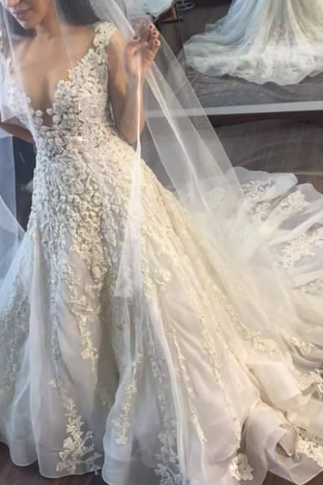 Gorgeous Wedding Dresses,Sleeveless Wedding Dress,Princess Wedding Dresses,Lace Wedding Dresses,Appliques Wedding Dresses,Wedding Dress