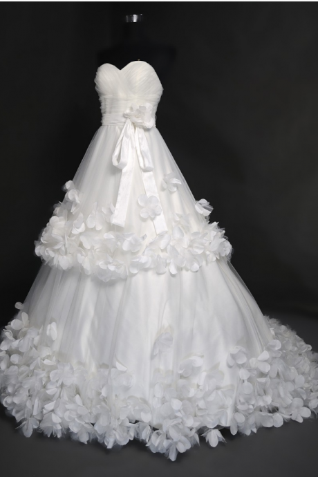 Strapless Sweetheart A-line Tiered Wedding Dress with 3D Floral Appliqués and Sweep Train