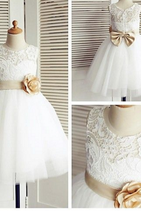 A-line Knee-length Flower Girl Dress - Lace / Tulle Sleeveless Scoop