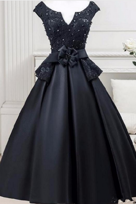 Cheap Black Short Party Cocktail Dresses Deep V Neck Backless Lace Tea Length Satin Prom Gowns Homecoming Bridesmaid Dress Formal Wear